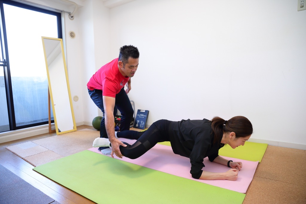 体幹と股関節の同時トレーニング